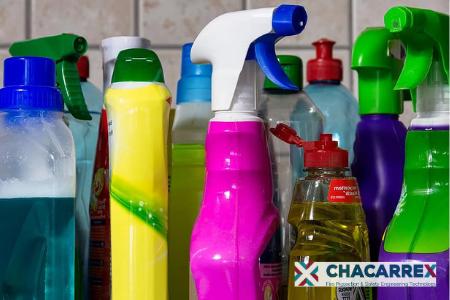 Productos de limpieza que generan gases tóxicos